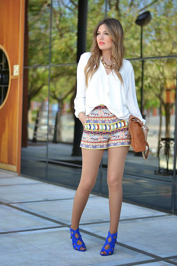 How to wear printed shorts