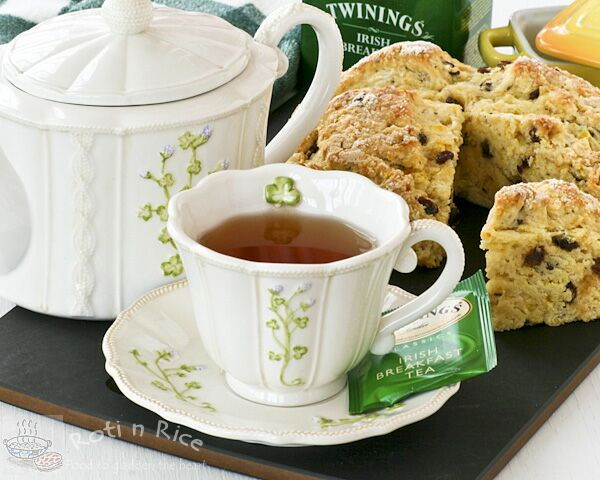 Irish breakfast tea is a blend of several black teas, most often Assam teas. Irish brands Lyons, Barry's, Bewley's, Nambarrie's, and Punjana are heavily weighted toward Assam. Many tea producers make Irish breakfast tea blends specifically for the United States market.