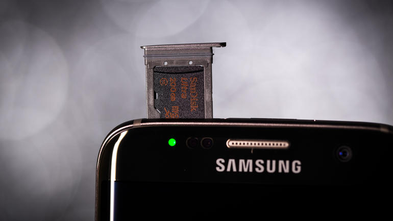 samsung-galaxy-s7-edge-Micro_Sd_card