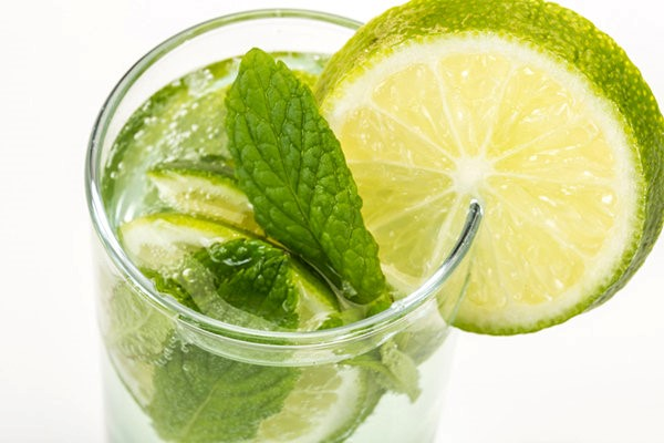 Sparkling Lime-Mint Quencher