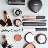 Make Up Essentials For Every Woman